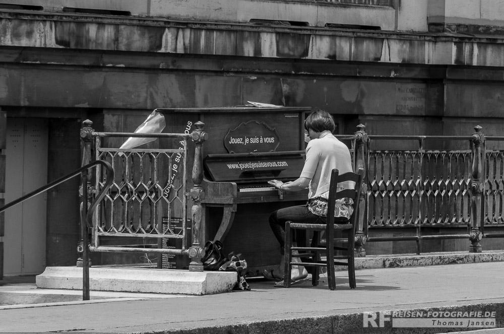 Klaviere in Genf