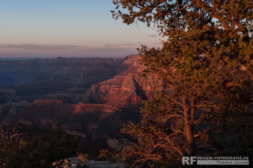 Letzte Sonnenstrahlen am Grand Canyon