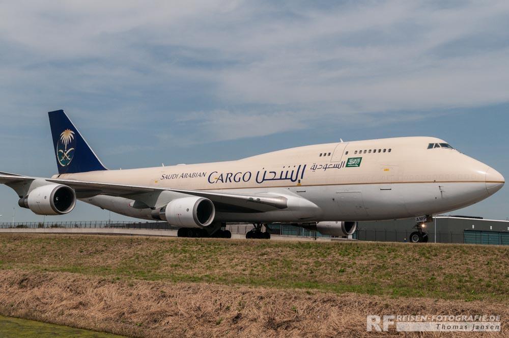 Saudi Arabian Cargo Boeing B747-400