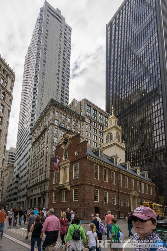 Old State House zwischen Wolkenkratzern