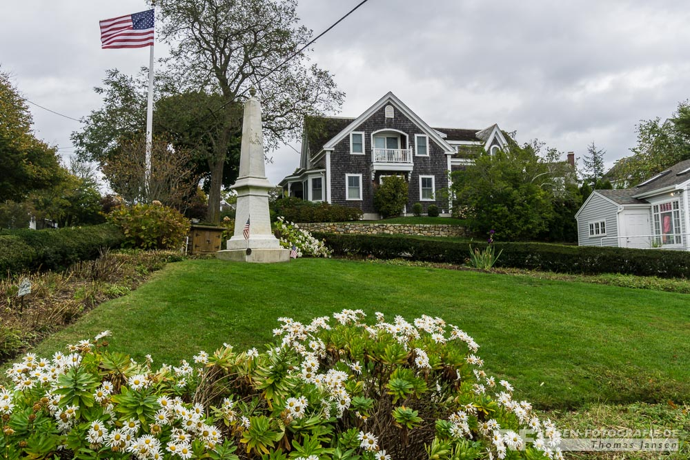 Ortsmitte - Denkmal in Chatham