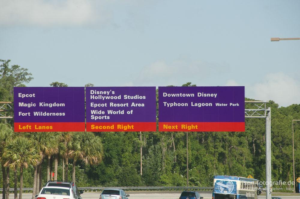 Anreise mit dem PKW - einfach den Schildern folgen.