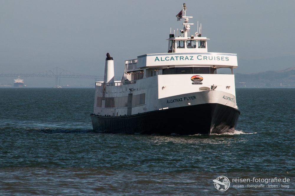 Ferry Service von Alcatrau Cruises