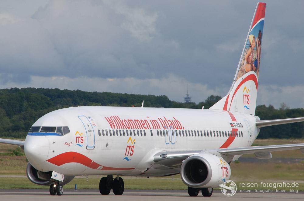 XL Airways mit Werbung für einen Reiseveranstalter