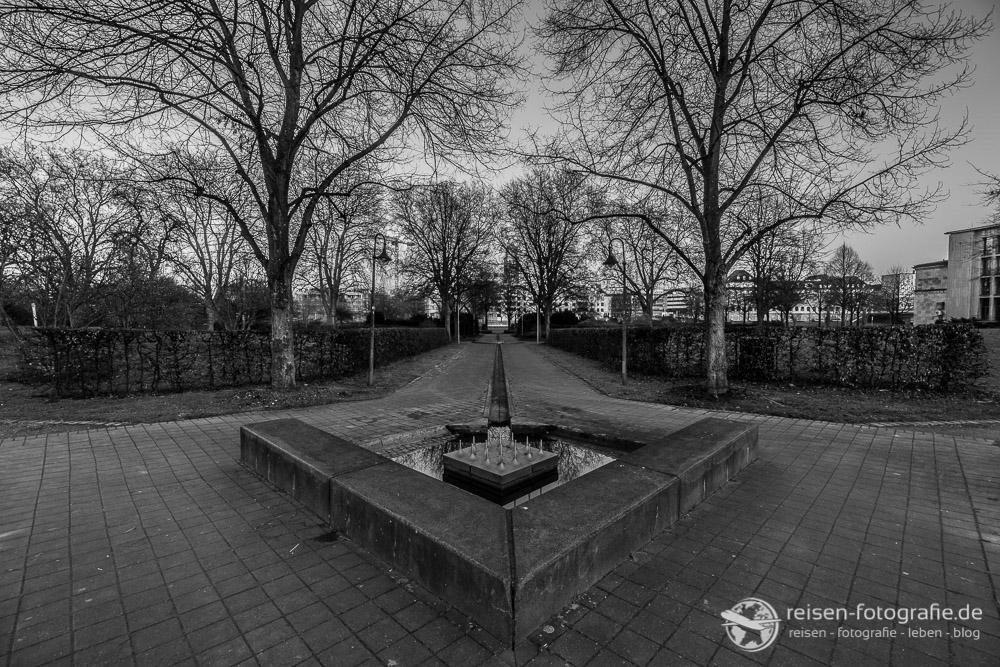 Park an der Stadthalle Mülheim Ruhr (f5,6 - 1/60 Sekunde - ISO125 - 10mm)