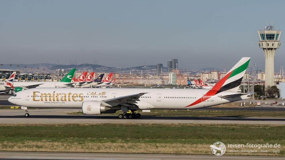Emirates - Boeing 777-31H/ER