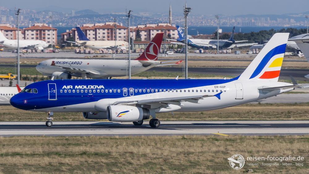 Air Moldova - Airbus A320-233
