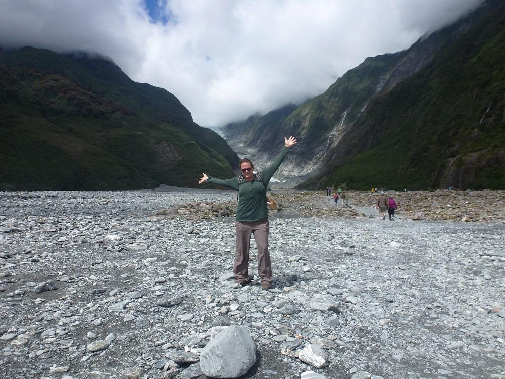Eines meiner Lieblingsbilder aus Neuseeland. Es zeigt mich auf der Wanderung zum Franz Josef Gletscher.