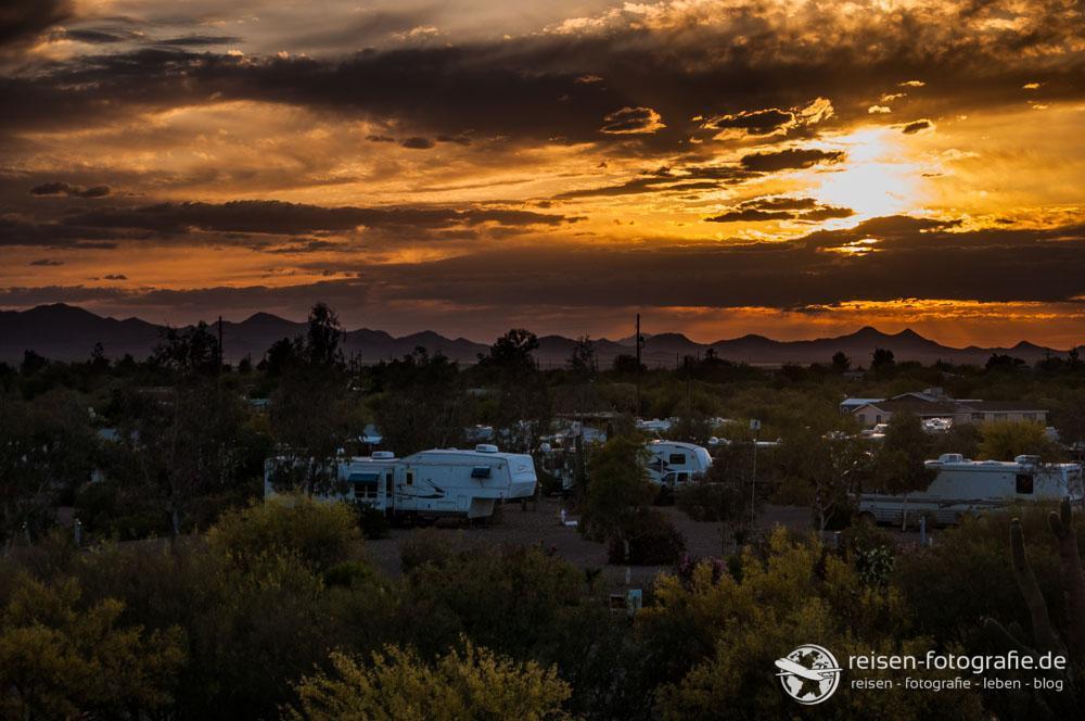Sonnenuntergang in der Wüste von Arizona