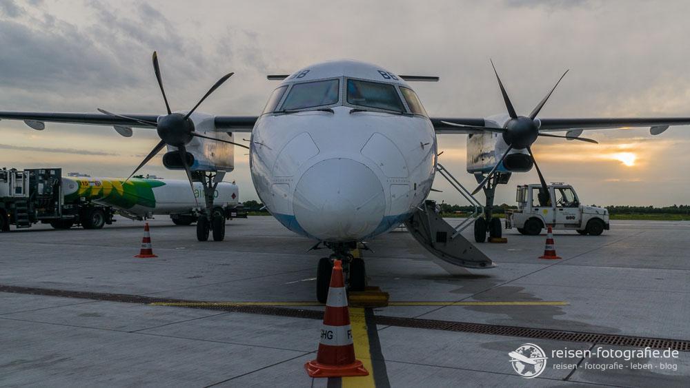 FlyBe - Dash 8 von vorne