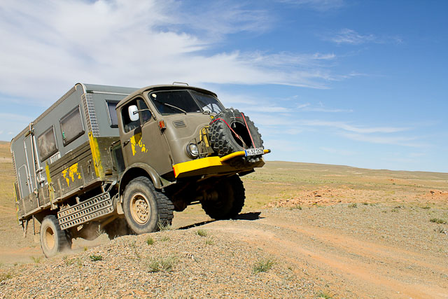 Mit dem Auto durch die Wüste Gobi
