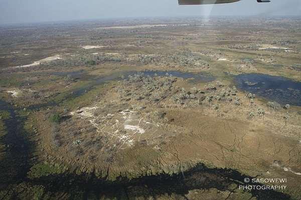 Rundflug über das Okavango-Delta