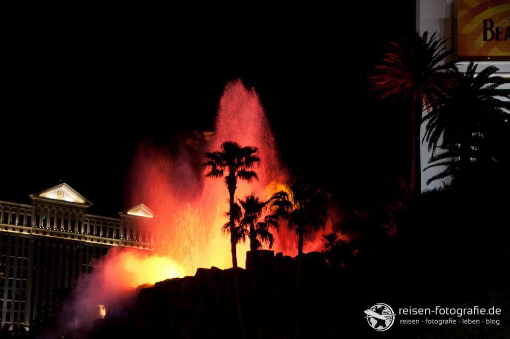 Vulkanausbruch am Hotel Mirage