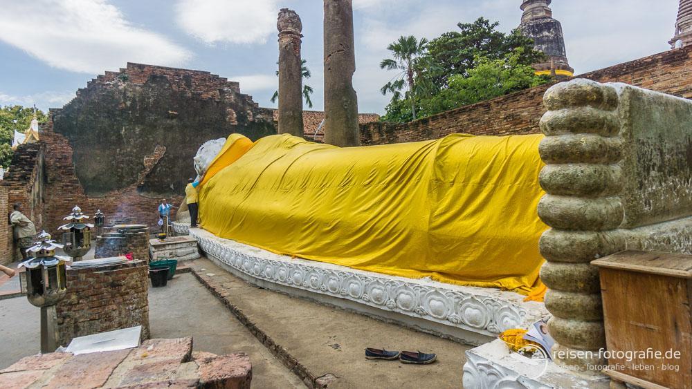 Liegender Buddha im Wat Yai Chai Mongkon