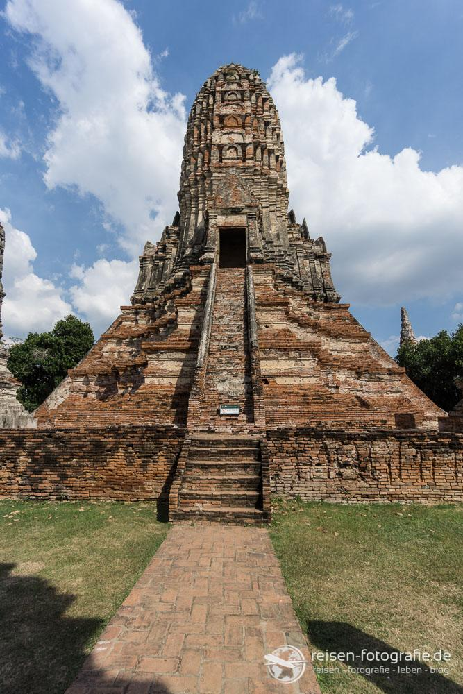 Prang im Wat Chai Watthanaram