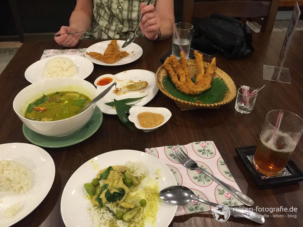 Green Curry und Hühnchen