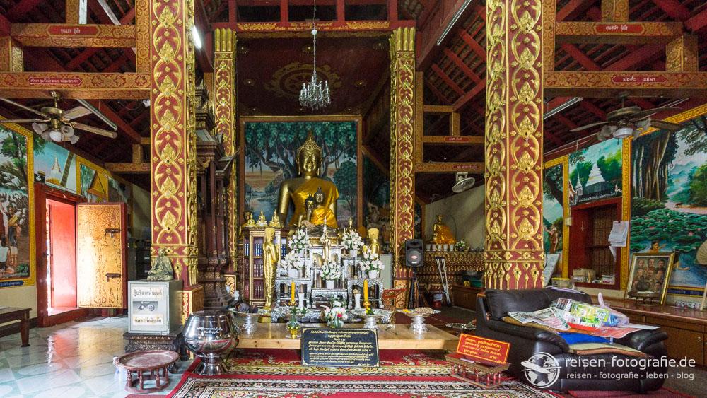 Noch eine goldene Bhudda Statue