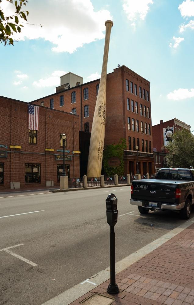 Das Louisville Slugger Museum des bekanntesten Herstellers von Baseball-Schlägern befindet sich Downtown Louisville