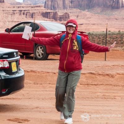 Melanie - warm verpackt im kalten Monument Valley