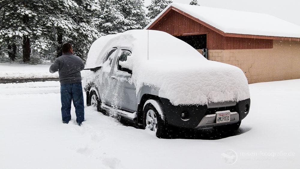 Ein klein wenig Schnee im Auto