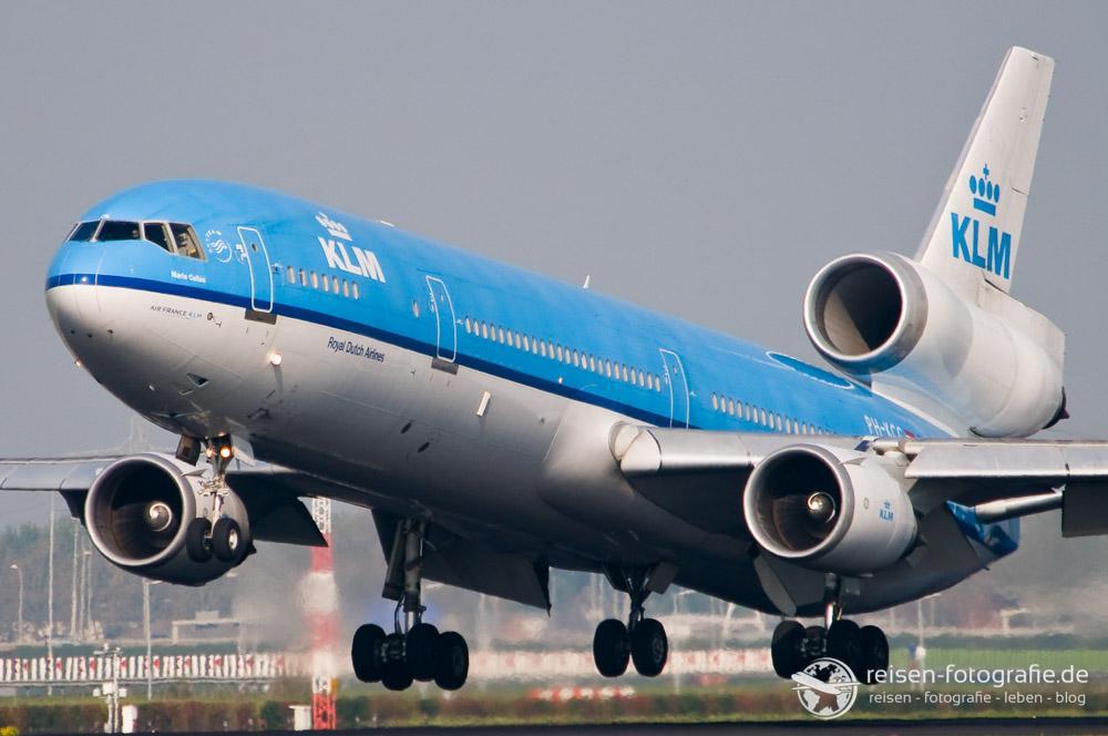 MD11 der KLM beim Start in Amsterdam