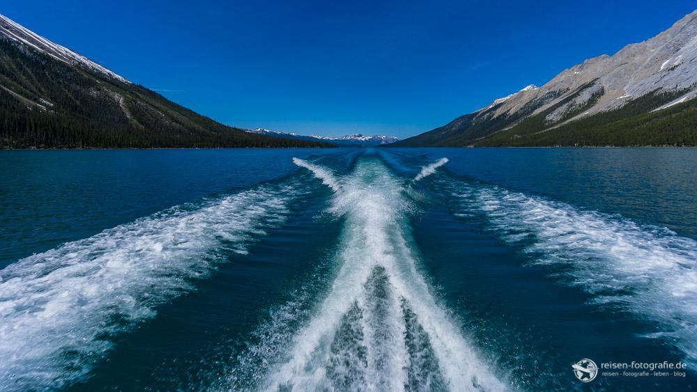 Mit Speed über den Maligne Lake