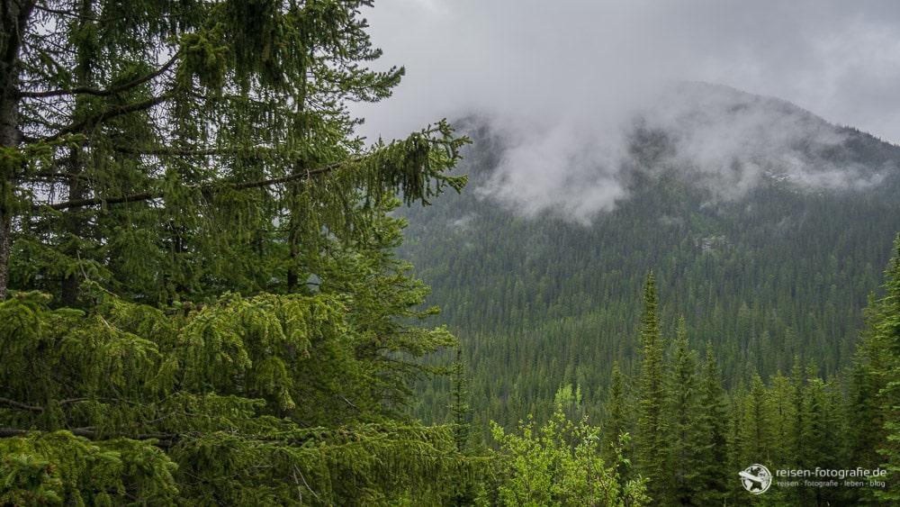 Wolken im Yoho National Park