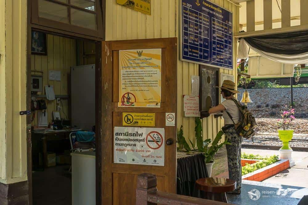 Am Bahnhof von Nam Tok