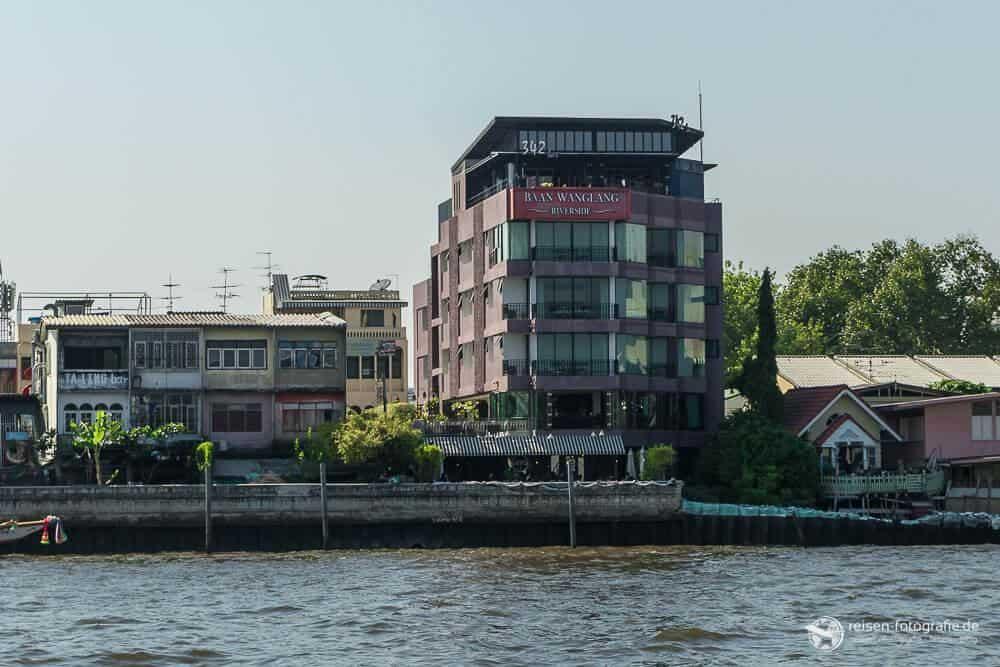 Baan Wanglang Riverside Hotel
