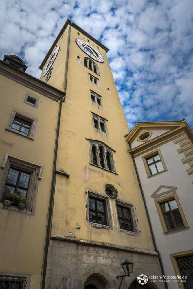 Auch das Rathaus muss natürlich einen Turm haben