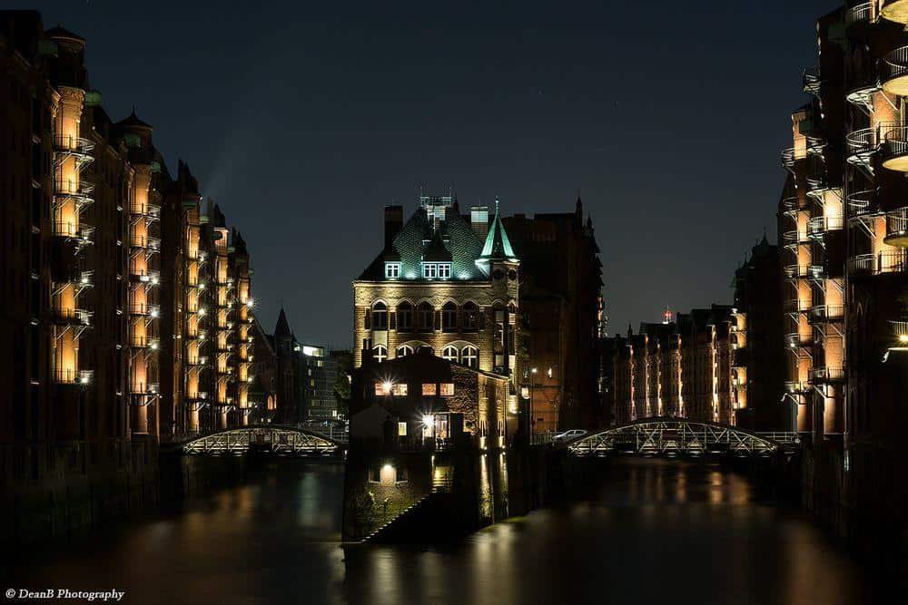 Hamburger Wasserschloss bei Nach (by Dean Buchholz)