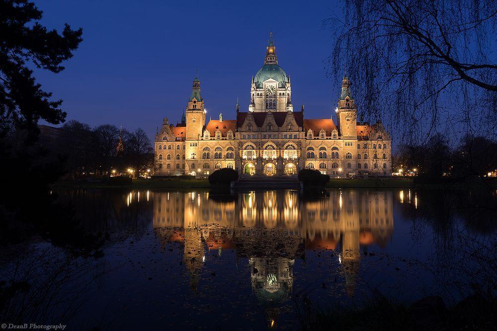 Neues Rathaus zu blauer Stunde (by Dean Buchholz)