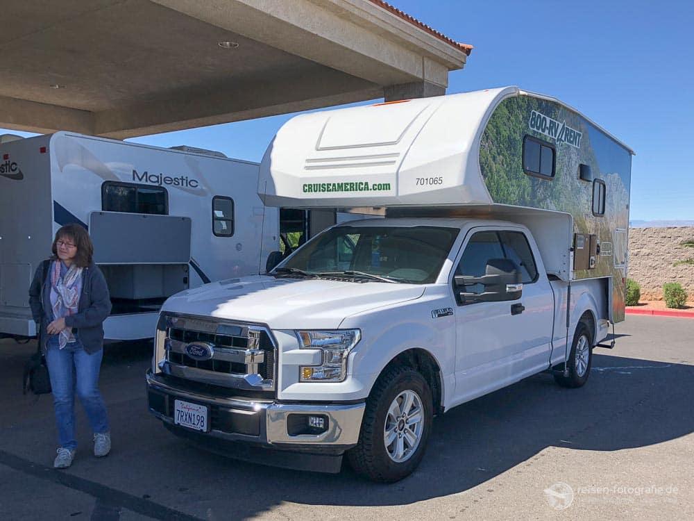 Cruise America Truck Camper T17