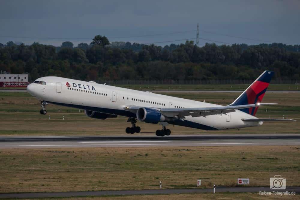 Delta B767-300