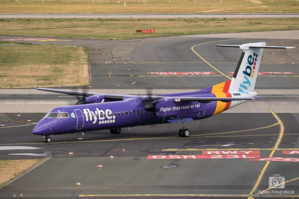 Flybe Bombardier DHC-8-402 Q400