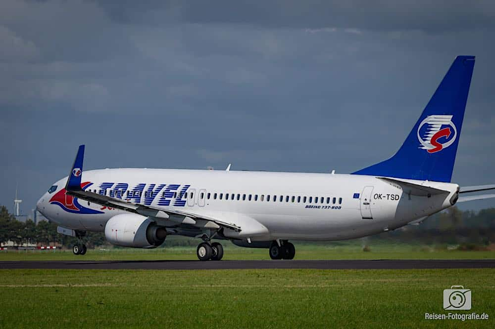 Boeing 737-8Q8 - Travel Service