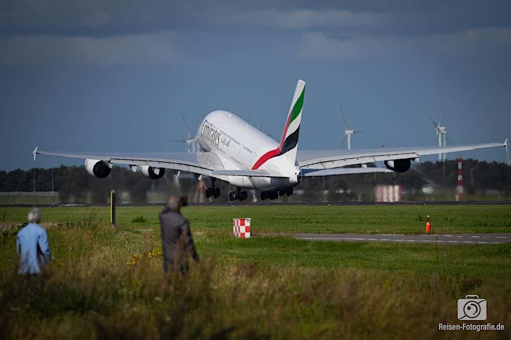 Airbus A380-861 - Emirates