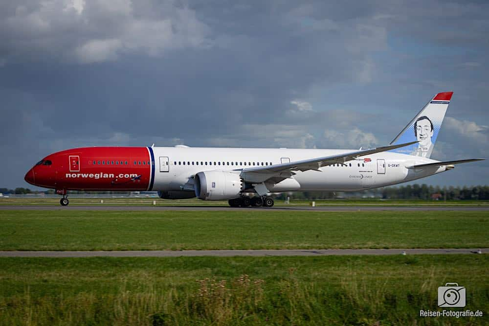 Boeing 787-9 Dreamliner - Norwegian Air Shuttle