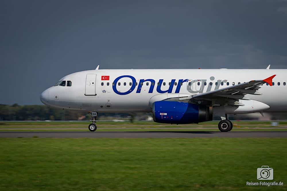 Airbus A320-233 - Onur Air