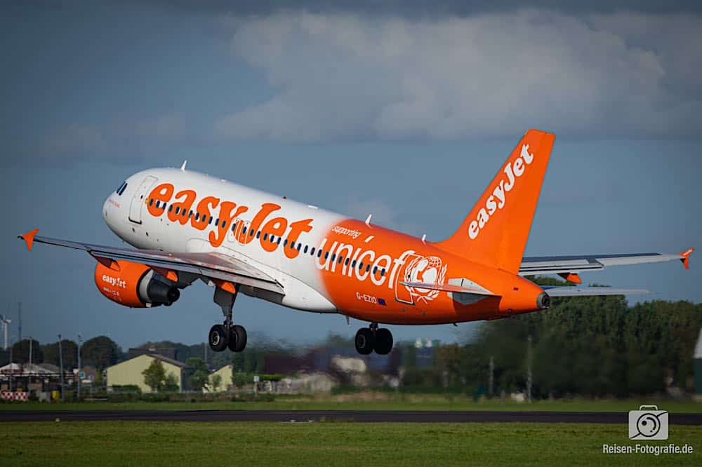 Airbus A319-111 - EasyJet Airline