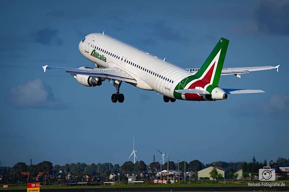 Airbus A320-216 - Alitalia