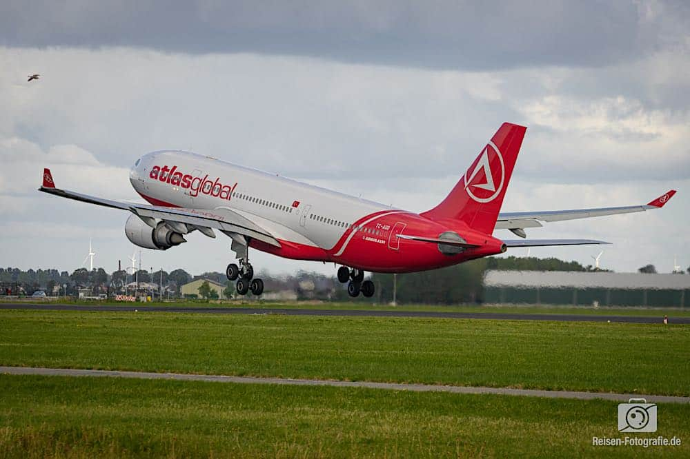 Airbus A330-203 - AtlasGlobal Airlines