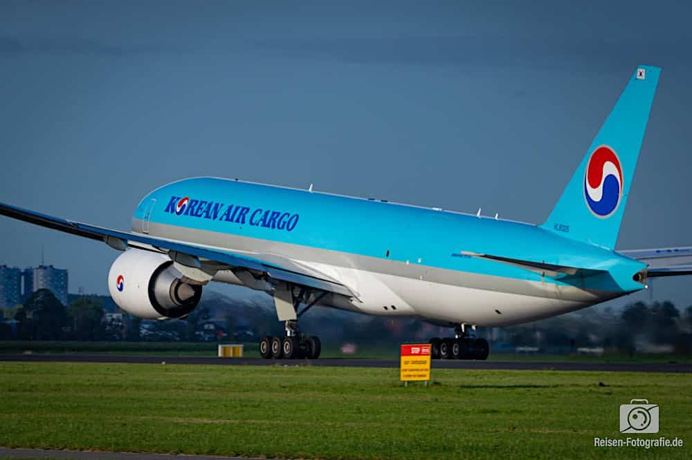 Boeing 777-FB5 - Korean Air Cargo