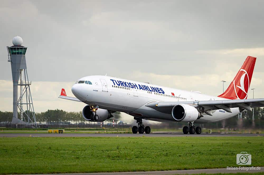 Airbus A330-203 - Turkish Airlines