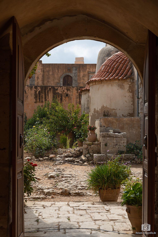 Türen und Durchgänge