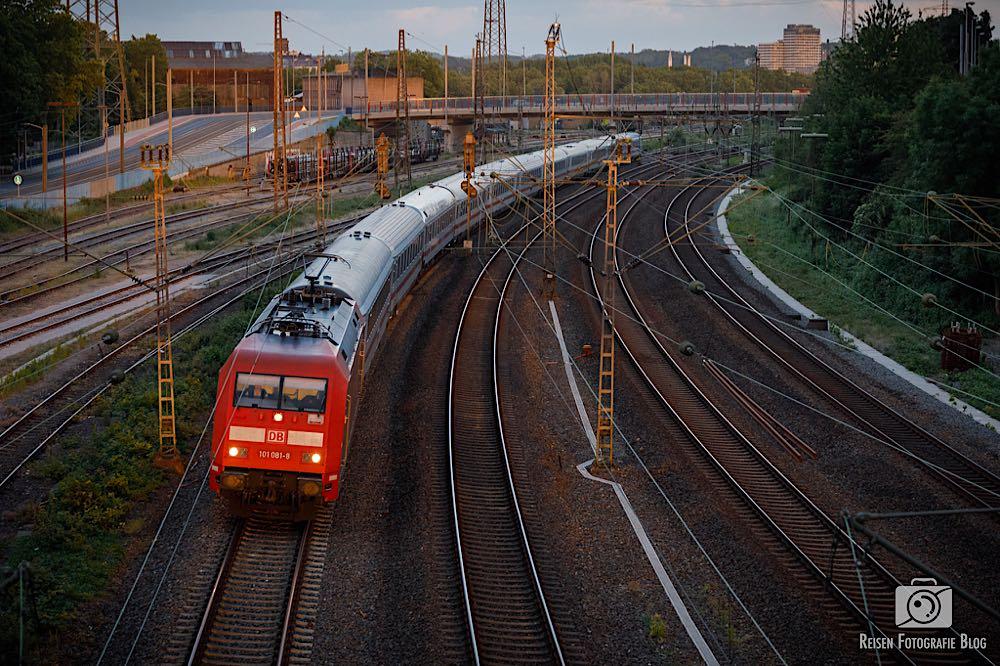 Zug Richtung Duisburg