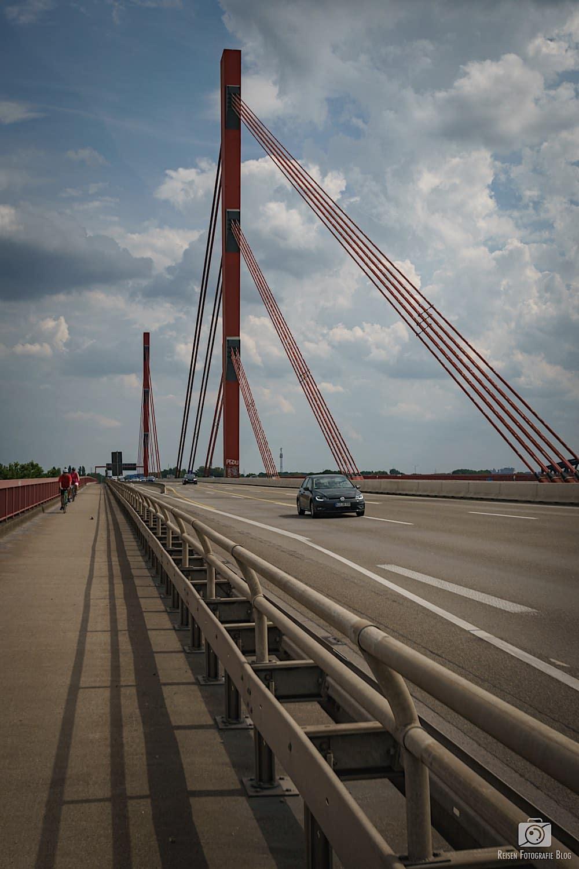 Autobahnbrücke A42