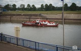 Feuerwehr Duisburg auf der Ruhr in Ruhrort