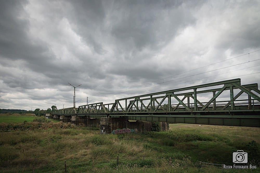 Eisenbahnbrücke in den Ruhrwiesen