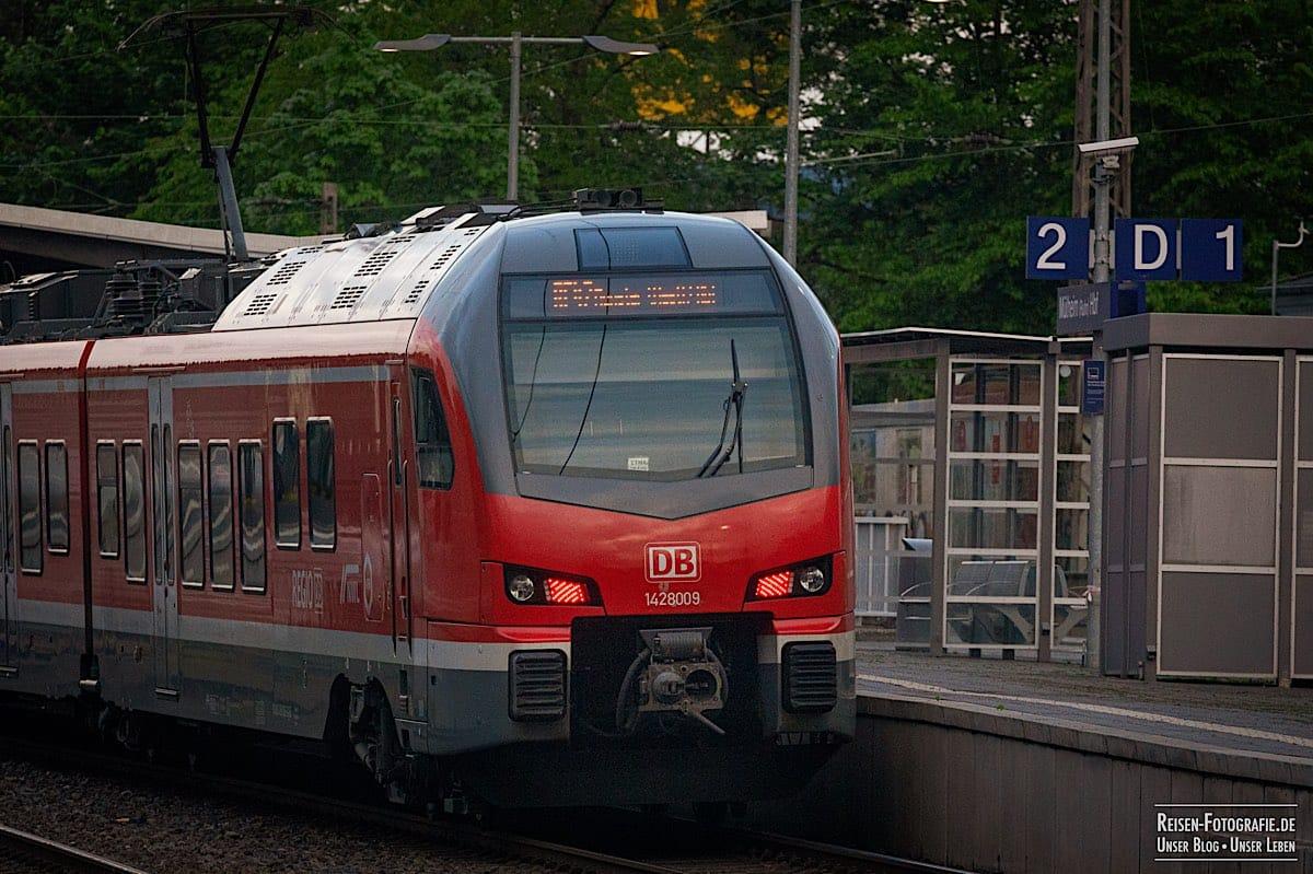 Am Bahnsteig 2 in Mülheim